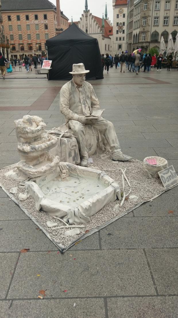 Living Statue